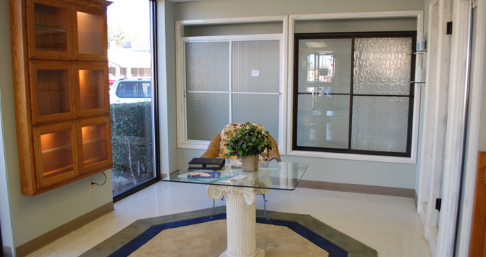 Independent glass mirror tyler texas residential for Glass and mirror company